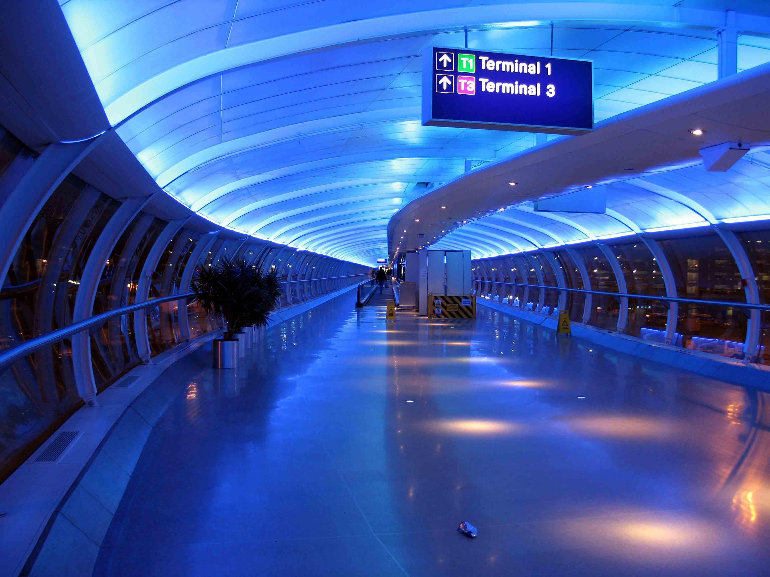 minibus hire manchester airport