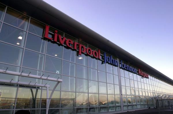 Minibus Hire Liverpool Airport
